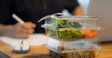 Steuerfreie Sachbezüge im Home Office - habe ich ein Recht auf meinen Essenszuschuss?