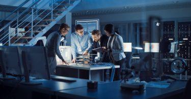 Eine Ausbildung als Elektroniker für Systeme und Geräte ist umfangreich und zukunftssicher