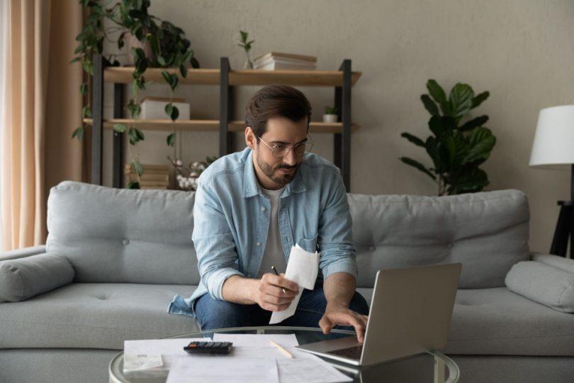 Wann haftet der Arbeitnehmer und wann der Arbeitgeber für Schäden im Homeoffice?
